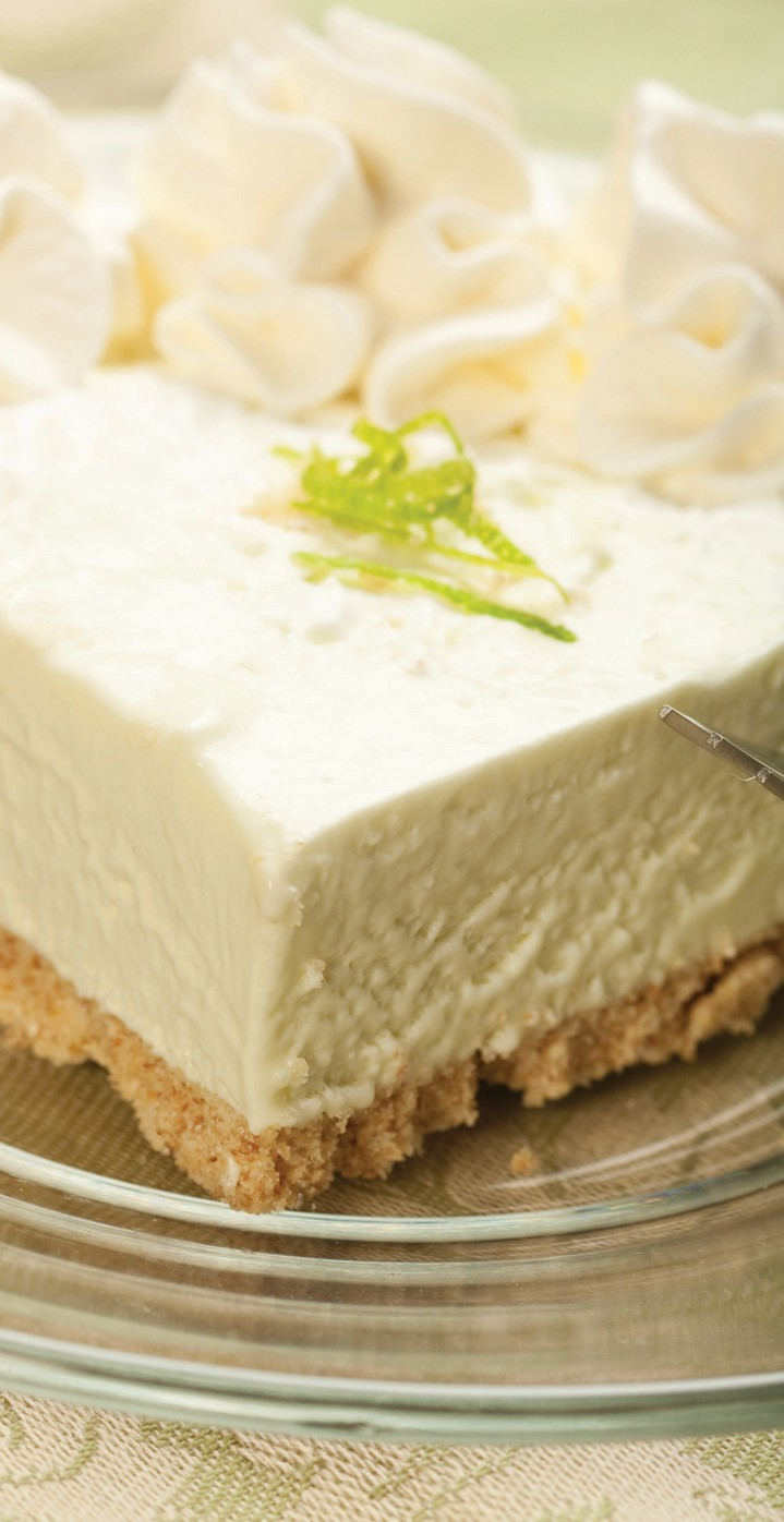 A creamy Key lime pie slice delights the eye.
